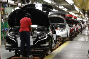 General Motors To Cut Down Its White Collar Employees